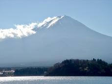 Kawaguchi See mit Mt. Fuji im Hintergrund