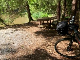 idyllische Stelle für eine Pause am Käsperlsweiher