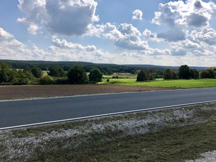 schöne Aussicht auf dem Weg nach Hallendorf