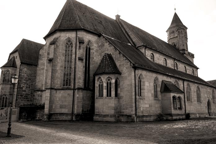 Kirche-in-Nk-Photoshop