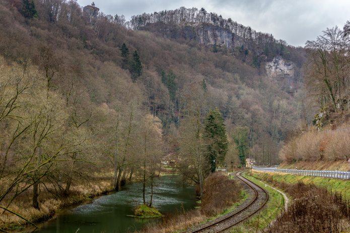Blick von der Stempfermühle durch das Wiesenttal zur Martinswand