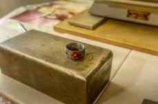 abgekühlter Ring nach dem Brennen mit verglaster Oberfläche