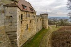 Burgmauer mit Burggraben