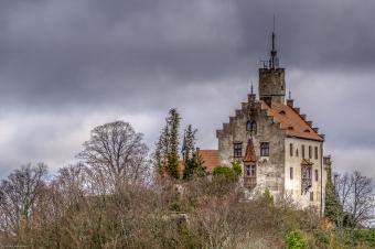 Die Burg Gößweinstein ist eine mittelalterliche Gipfelburg, die hoch über dem Markt Gößweinstein und dem Wiesenttal liegt. Sie soll möglicherweise Richard Wagner als Vorbild für die Gralsburg in seinem Parsifal gedient haben⠀⠀⠀⠀⠀⠀⠀⠀⠀⠀⠀⠀⠀⠀⠀⠀⠀⠀⠀⠀⠀⠀ ___________________________________