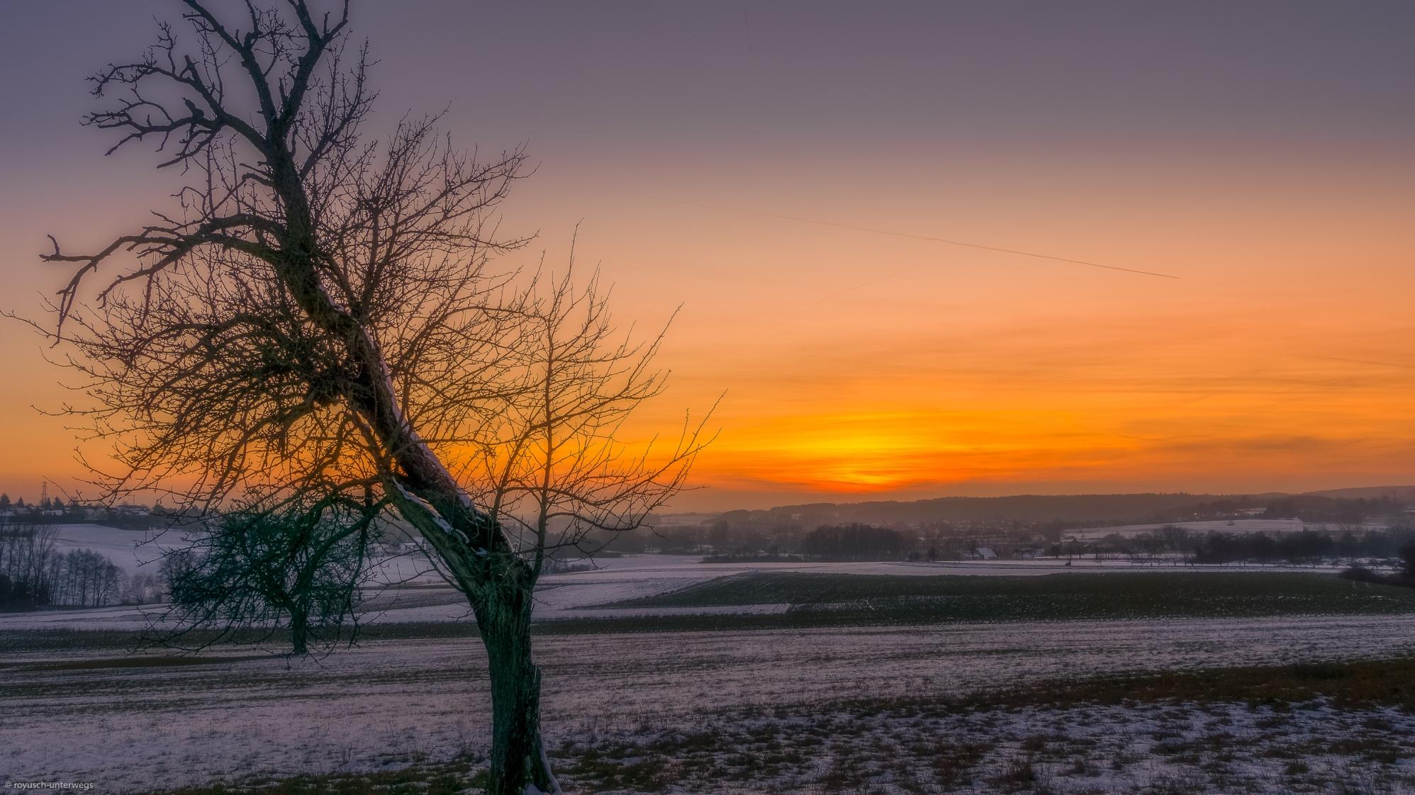 Sonnenuntergang über Neunkirchen am Brand