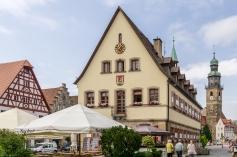 Altes Rathaus mit Johanniskirche am Marktplatz