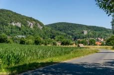 Wiesenttal mit Blick auf Streitberg und die Burgruine