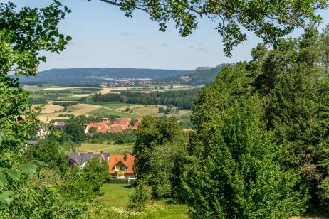 Blick hinunter ins Tal nach Weingarts