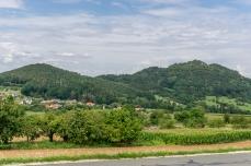der Ehrenbürg mit seiner höchsten Erhebung , dem Rodenstein
