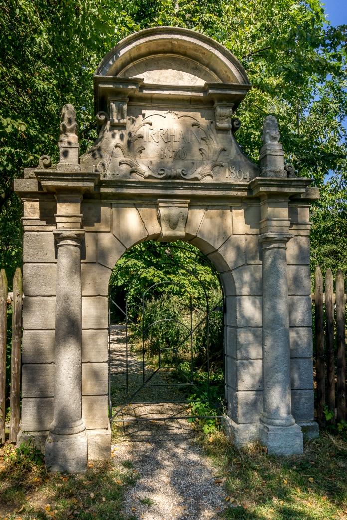 Eingang zum Irrhain