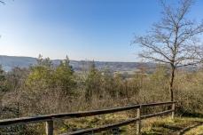 Blick hinüber zum Hetzleser Berg und Ermreuth