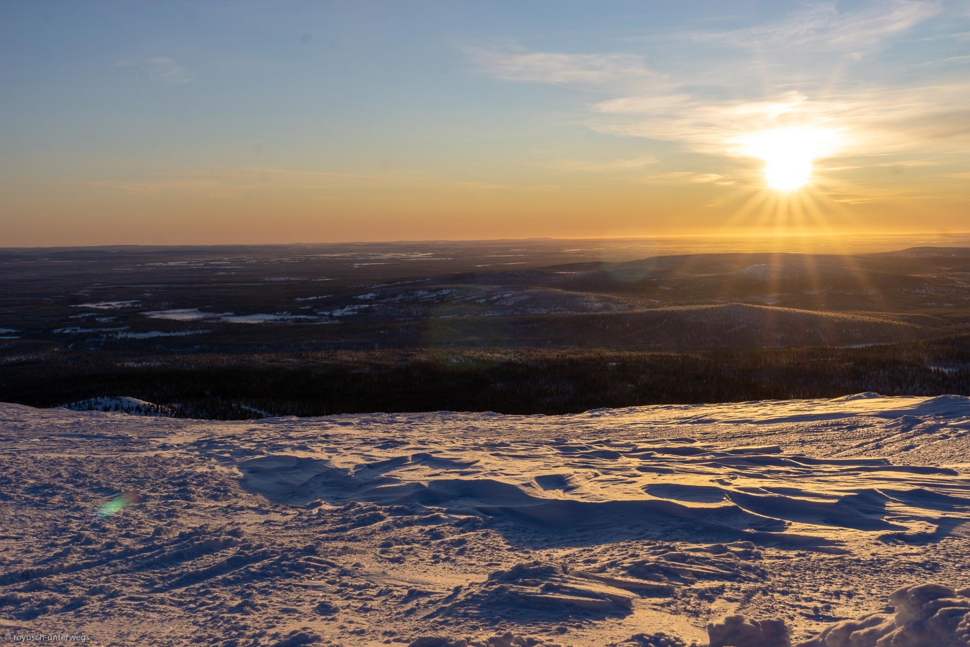 Sonnenuntergang im finnischen Lappland
