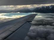 Landeanflug auf Salt Lake City, unten sieht man den Ort South Jordan, Utah, USA